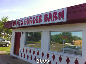 Front of Dave's Burger Barn